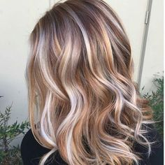 """""""* We're calling this one """"On Golden Blonde"""" ... by @sadiejcre8s #btcapproved #behindthechair"""""""