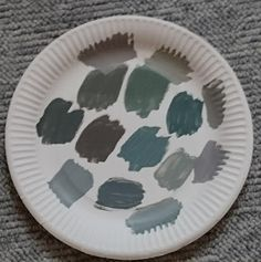 UMS-Arts: What color do you see? - Welche Farbe siehst du?