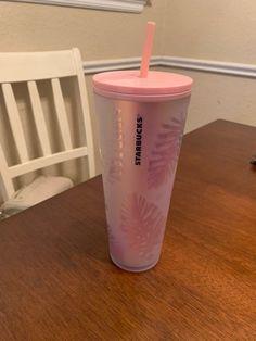 Brand new 2019 Starbucks tumbler (pink iridescent pine cone). Very nice and pretty! Starbucks Coffee Cups, Pink Starbucks, Starbucks Tumbler, Starbucks Drinks, Coffee And Tea Accessories, Pine Cone, Iridescent, Nice, Pretty