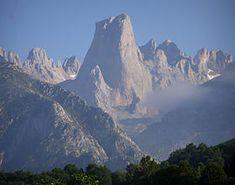 Picos de Europa - Naranjo de Bulnes -Picu Urriellu- seen from Pozo de la Oración, Cabrales, Asturias