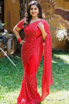 Anchor Anushree in red party wear saree styled by Anjali Raj. #saree #redsaree #partywear #partywearsaree #southindianactress #beautifulgirl South Indian Actress in Saree Photograph SOUTH INDIAN ACTRESS IN SAREE PHOTOGRAPH | IN.PINTEREST.COM FASHION EDUCRATSWEB