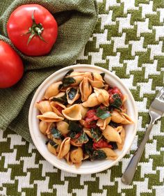 Garlicky Pasta with Greens and Tomato - Vegan Does It