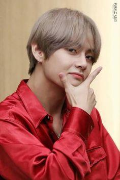 Taehyung my babe Jimin, Bts Bangtan Boy, Daegu, K Pop, Boy Band, V Bts Cute, V Bts Wallpaper, Kim Taehyung, Taehyung 2017