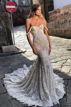 #BERTA bridal beauty now available off-the-rack Wedding Dress Sizes, Elegant Wedding Dress, Bridal Wedding Dresses, Dream Wedding Dresses, Fitted Wedding Dresses, Different Wedding Dress Styles, Berta Bridal, Low Back Dresses, Unique Dresses