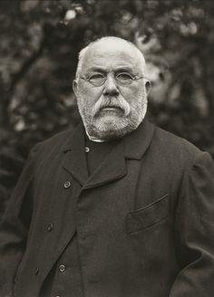 August Sander. Blacksmith. 1913.