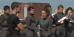 Veronica Roth, Shailene Woodley, Theo James, Miles Teller, & Zoe Kravitz talk 'Divergent' on the set
