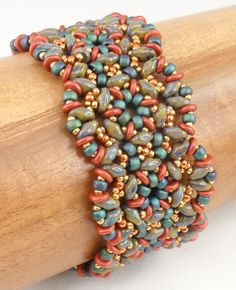 Beading Tutorial for Gritty Tweed Bracelet jewelry pattern Materials: Super Duos, O Beads, size and 15 rocailles Beaded Bracelet Patterns, Jewelry Patterns, Beading Patterns, Beaded Bracelets, Seed Bead Jewelry, Beaded Jewelry, Seed Beads, Jewellery, Super Duo Beads