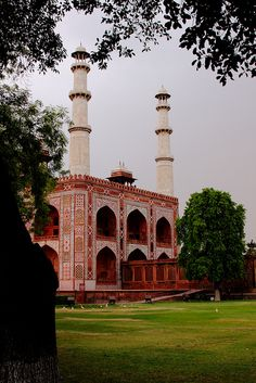 Emperor Akbar's Mausoleum between Delhi and Agra -  a must visit to understand Moghul architecture