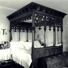 33 Modern Interior Decorating Ideas Bringing Vintage Style with Chests and Trunks - Beautiful Gothic bed that I need in my life. I now feel incomplete without it - Gothic Interior, Gothic Home Decor, Modern Interior, Interior Design, Gothic Bedroom Decor, Steampunk Interior, Interior Office, Dream Bedroom, Home Bedroom