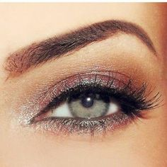 Makeup & Skin Care: Body Makeup: Which to Choose and How to Apply to Cover Skin Imperfections Makeup Is Life, Body Makeup, Skin Makeup, Makeup For Green Eyes, Blue Eye Makeup, Wedding Makeup Blue, Blaues Make-up, Makeup Techniques, Mode Style