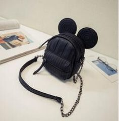 Item Type: Handbags Exterior: None Number of Handles/Straps: Single Interior: Cell Phone Pocket Closure Type: Zipper Handbags Type: Shoulder Bags Decoration: Chains Gender: Women Hardness: Soft Patter
