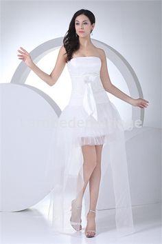 Robe de mariée  spéciale asymétrique en satin de soie et gaze décorée d´arc