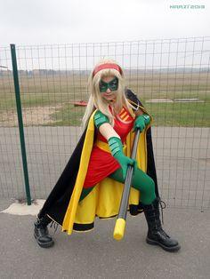 Robin (Stephanie Brown) by NarciSSai on deviantART Stephanie Brown Robin, Robin Outfit, Robin Cosplay, Batman And Batgirl, Cassandra Cain, Hero Movie, Tim Drake, Cosplay Ideas, Harajuku