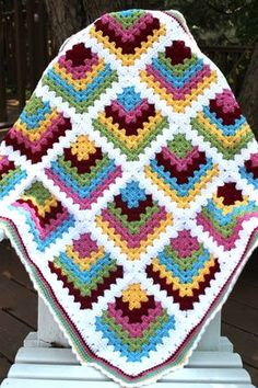 Mitered Granny Square Baby Blanket: free pattern
