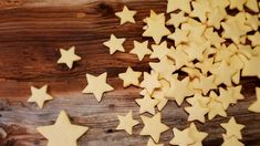 Tender butter cookies - the basic recipe - Delicate butter cookies – the perfect basic recipe for cookie cutters, stamped biscuits and your - Pork Chop Recipes, Meatloaf Recipes, Best Christmas Cookies, Christmas Recipes, Baby Finger Foods, Cakes And More, Diy Food, Fall Recipes, Pin Collection