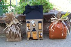 Cute Autumn crafts made from paper bags. Cute for HALLOWEEN or THANKSGIVING.