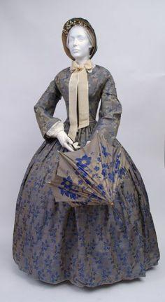 FC0312 dress, shot silk damask, unlabelled, American, c. late 1850s