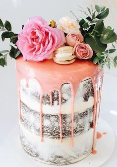 24 Floral Wedding Cakes That Are Almost Too Beautiful to Eat