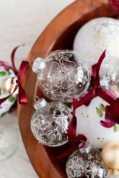 Homemade Wreaths, Homemade Christmas Decorations, Christmas Tree Themes, Christmas Ideas, Holiday Decor, Holiday Style, Christmas Projects, Holiday Crafts, Christmas On A Budget