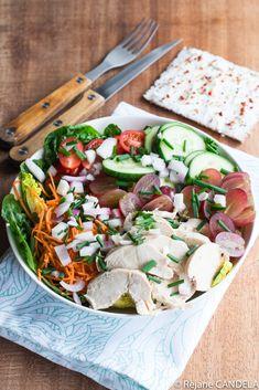 Salade au Poulet & Raisins - Food for Love Raisin Recipes, Legume Bio, Cobb Salad, Healthy Life, Macaroni, Food, Chicken Breasts, Chopped Salads, Wine Pairings
