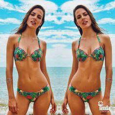 Todas as vezes que um biquini deste for à praia com você, você vai fazer sucesso. Como se não bastasse o poder de moldar lindamente o corpo, por sua modelagem super esperta, o biquini traz estampas brasileiríssimas, outro grande motivo pra deixar você linda, cheia de graça!
