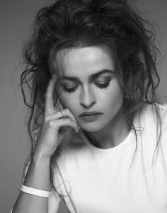 Helena Bohem Carter ♥ she's amazingly different - not a crush, but... Helena Bonham Carter, Helena Carter, Helen Bonham, Pretty People, Beautiful People, Beautiful Beautiful, Absolutely Stunning, Amazing People, Gorgeous Women