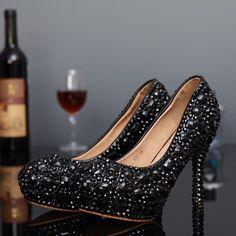 66.09$  Watch now - http://aliccw.worldwells.pw/go.php?t=32381934357 - 2015 New Arrival Black Diamond Crystal Women Evening Party Shoes Luxury Handmade Rhinestones Bridal Wedding Pumps High Heels 66.09$