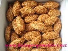 Susamlı Kurabiye Tarifi Greek Cooking, Cooking Time, Donut Recipes, Dog Food Recipes, German Christmas Biscuits, Bacon Donut, Unprocessed Food, Food Platters, Yummy Cupcakes
