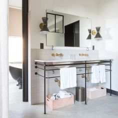 Get A Room: The Ace Hotel In Los Angeles | The Zoe Report