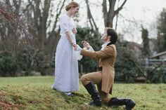 """This Adorable """"Pride And Prejudice""""-Themed Engagement Is Every Book Lover's Dream"""