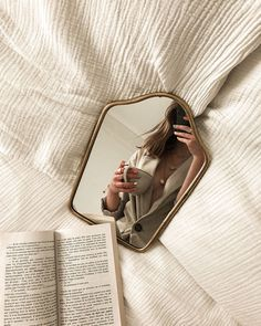 Photography Ideas At Home, Mirror Photography, Indoor Photography, Self Portrait Photography, Book Photography, Creative Photography, Illusion Photography, Photography Aesthetic, Toddler Photography