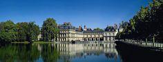 Château de Fontainebleau   http://www.lavalleevillage.com/fr/nos-services/informations-touristiques/idees-journee/item/culture-et-shopping-tout-un-art
