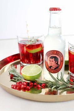 Ich habe unsere Weihnachtsfeier im l'affinité Office zum Anlass und genommen und mir weihnachtliche Getränkideen mit Thomas Henry überlegt.