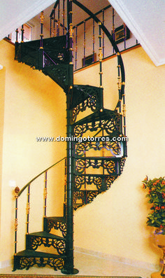 Ideas para escaleras on pinterest spiral staircases for Escalera aluminio plegable easy