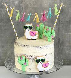👏🎉🎉👏 TOP 10 2017 Festa Gatinhos fofa por e . Inspire-se e Faça a Festa Llama Birthday, Birthday Cake Girls, 2nd Birthday Parties, Snoopy Birthday, 10th Birthday, Birthday Ideas, Cactus Cake, Fiesta Party, Fiesta Cake