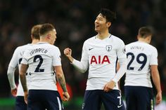 Δείτε όλα τα highlights του αγώνα με την Stoke City, πως η ομάδα μας νίκησε με 5-1 τους «Potters» στο Wembley νωρίτερα το απόγευμα για την...