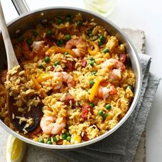 This delicious Spanish dish featuring paella rice, chorizo and tiger prawns is very easy to make. Seafood Dishes, Seafood Recipes, Rice Dishes, Main Dishes, Rice Recipes, Cooking Recipes, Spanish Dishes, Food T, Gluten Free Chicken