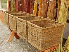 willow basket maker