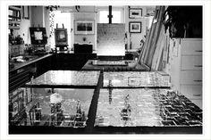 Anfertigung von Spiegelpaneelen mit Blattsilber.