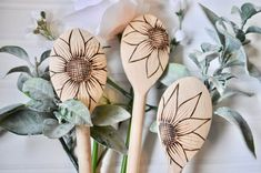 Wood Burned Cooking Spoons in Sunflowers,What's wood burning ? The pine burnt by treatment method by transferring a photo on wood is known as wooden decoration. In wood burning , determining . Wood Burning Stencils, Wood Burning Crafts, Wood Burning Patterns, Wood Burning Art, Best Wood Burning Tool, Wood Burn Designs, Pyrography Patterns, Pyrography Ideas, Sunflower Design