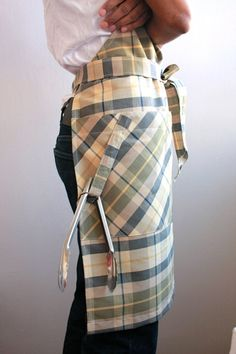 Your place to buy and sell all things handmade Men's Apron, Linen Apron, Cute Aprons, Aprons For Men, Chic For Men, Modern Aprons, Sewing Crafts, Sewing Projects, Aprons