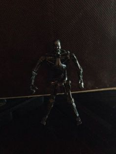 "T-700 Terminator: Playmates 2009 Terminator Salvation 3 ¾"" Action Figures"