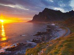Mightnight Sun over Dramatic Coastal Landscape, Vikten, Flakstadsoya, Lofoten, Norway Fotografisk trykk