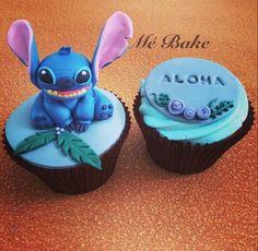 #liloandstitch #cupcakes #cakedecoratingideas #hawaiian #disney #aloha Lilo En Stitch, Lilo And Stitch Cake, Disney Stitch, Fondant Cupcakes, Fun Cupcakes, Cupcake Cakes, Disney Inspired Food, Disney Food, Luau Birthday