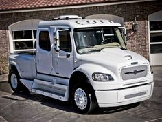 Freightliner Tow Truck, Chevy Trucks, Pickup Trucks, Hummer Cars, Medium Duty Trucks, Freightliner Trucks, Mini Trucks, Diesel Trucks, Truck Accessories