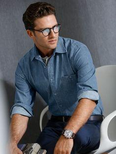 Jeans-Hemd Indigo: Aus reiner, leichter und atmungsaktiver Baumwolle, mit intensiver Indigo-Färbung. Mit Kent-Kragen. – casual shirt, 100% cotton, indigo dyed, Kent collar