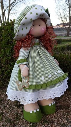 Blog de trabajos de María José Veira. Patchwork, calceta, ropita, muñecos, capotas, manteles, cortinas, bordados, ganchillo. Labores artesanales. Sock Dolls, Felt Dolls, Doll Toys, Baby Dolls, Crochet Dolls, Sewing Doll Clothes, Sewing Dolls, Doll Crafts, Diy Doll