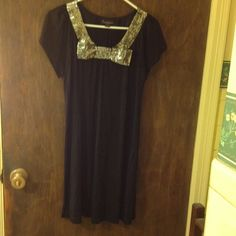Host Pick 10/17 LBD Gold Bow Sequins Such a wonderful LBD ! The best part it has gold sequins in the front the dress that forms a bow. Dress is lightweight and perfect to wear out with heels or even leggings. Host pick on 10/17 for Pretty & Fun Party  Twenty One Dresses