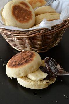 Les muffins anglais c'est quelque chose que j'ai toujours aimé.Et en les faisant puis en les offrant à mes copines j'ai remarqué que...