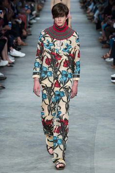 Gucci Spring 2016 Menswear Fashion Show
